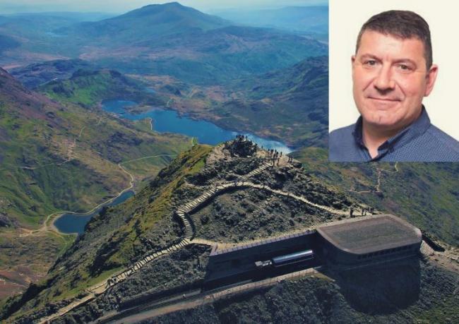 Councillor Glyn Daniels is calling for a £1 levy on tourists visiting Snowdon
