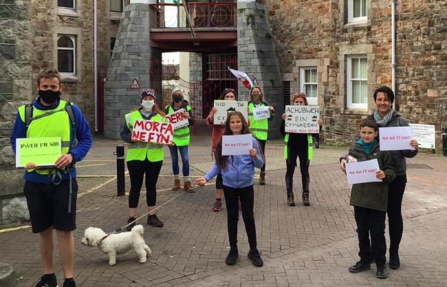 "The marchers were greeted in Caernarfon on their arrival, following their 20 mile journey from Nefyn to highlight the second homes ""crisis.\"" Taken by reporter, free to use by all LDRS partners."