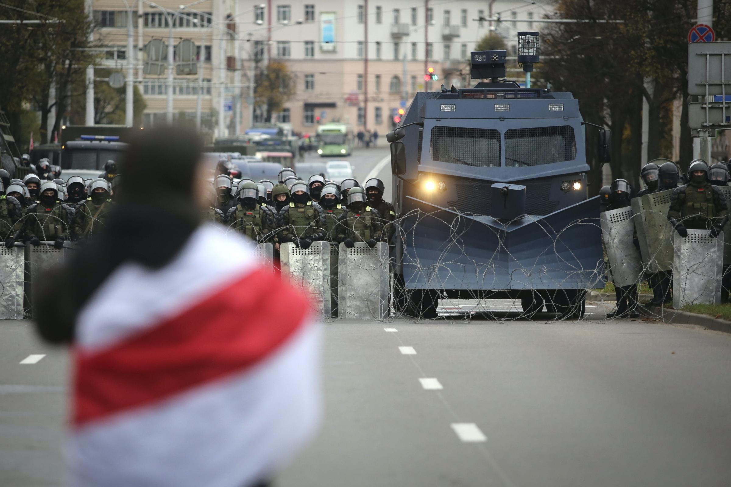 Protesters demand resignation of Belarus leader amid threat of strikes