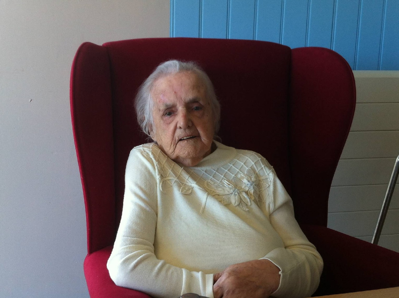 100-year-old Dorothy Roberts at the Care Home in Llanfair PG