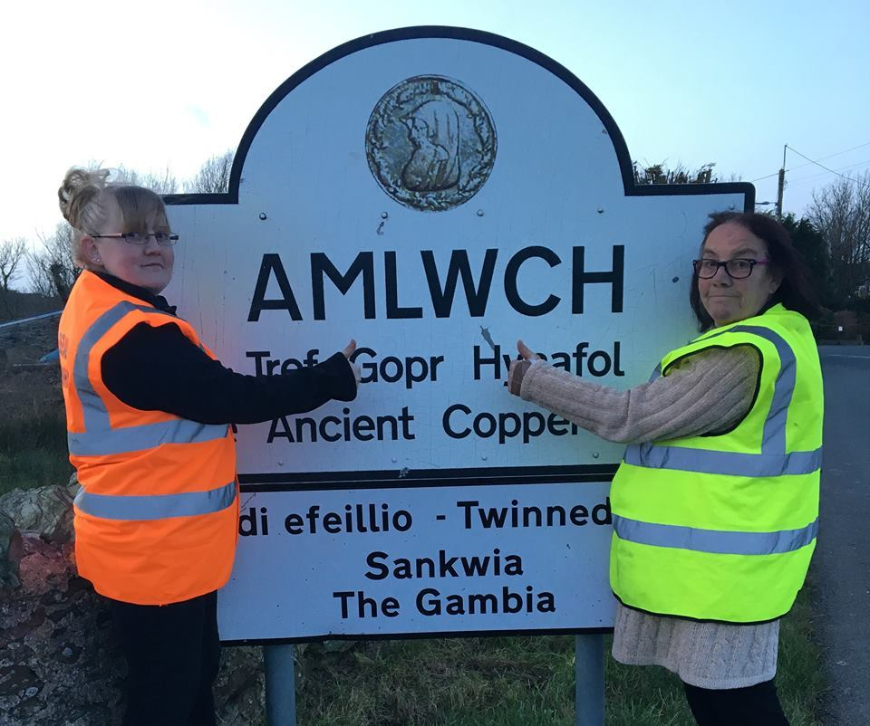 Michaela Jones and her mother, Paula, of Amlwch who are attempting an unusual World Record attempt. PICTURE: Facebook.
