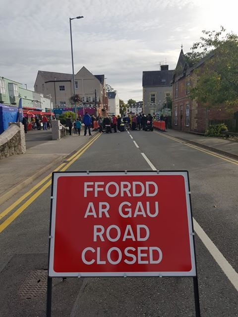 Rownd a Rownd was the reason behind the road closures in Menai Bridge. PICTURE: Rondo Media.