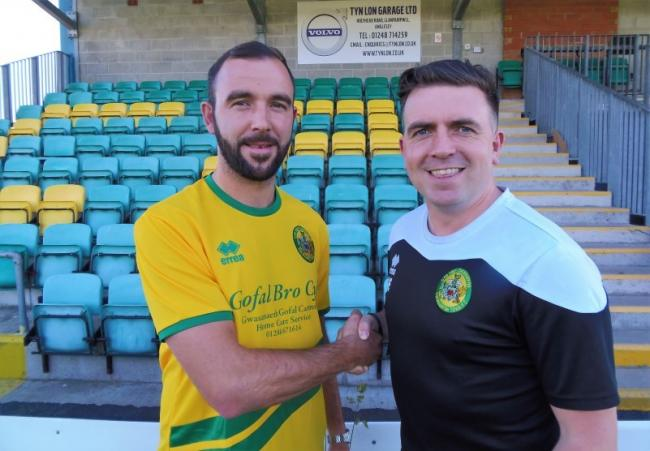 Mike Pearson with Caernarfon Town assistant manager Sean Eardley